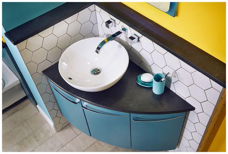 Blue en suite bathroom furniture from Utopia Bathrooms.