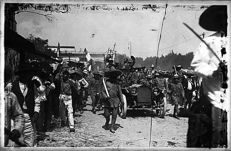 Francisco Madero enters Cuernavaca in 1911