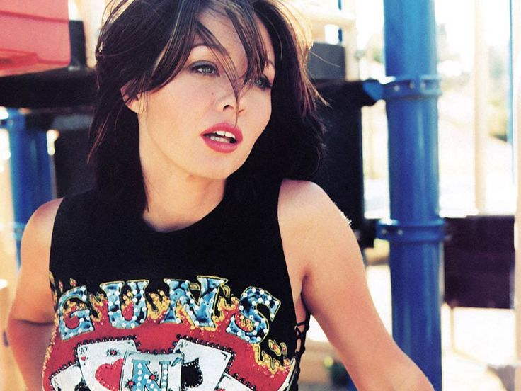 Shannen Doherty Tired of Plastic Surgery Rumors - http://sugarsurgery.com/shannen-doherty-tired-plastic-surgery-rumors/ #ShannenDoherty Shannen Maria Doherty is a television director and American actress who is best known for her work in Beverly Hills 90210 as Brenda Walsh, Charmed as Prue Halliwell and Heathers as Heather Duke. For many of us, we remember growing up watching ...