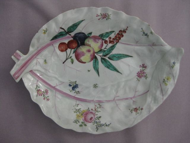 Worcester leaf dish with Giles decoration