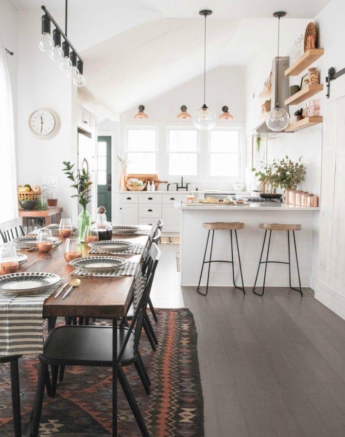 Estamos enamoradas de la casa de Jenni RadosevichEl hometour completo en @ayudaadecorar http://ayudaadecorar.blogspot.com.es/2018/01/la-nueva-casa-de-una-famosa-blogger-diy.html
