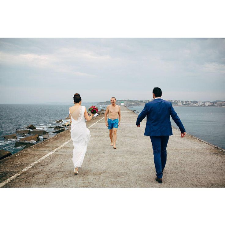 When glamour meets sexy, wedding day, mariage, wedding photographer, photographe de mariage biarritz, photographe mariage saint jean de luz, photos de couple fort de socoa, destination wedding basque country, bride to be 2019, wild love, vitamin sea, couple goals, wedding photography, having fun, beachlife, ocean vibes