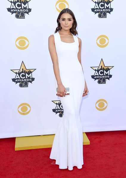 Olivia Culpo Photos - Actress Olivia Culpo attends the 50th Academy Of Country Music Awards at AT&T Stadium on April 19, 2015 in Arlington, Texas. - 50th Academy Of Country Music Awards - Arrivals