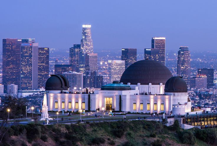 Downtown Los Angeles from Griffith Park at night // 150 things to do in Los Angeles