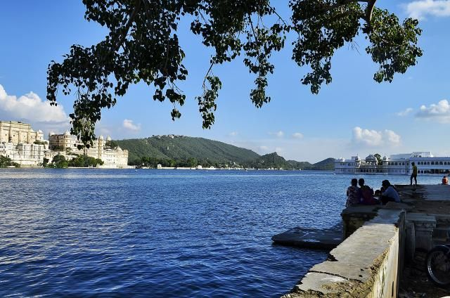 8 Must-See Attractions in Romantic Udaipur, India: Ambrai Ghat
