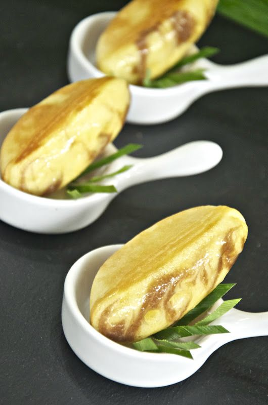 Indonesian Food: Pukis #Indonesian recipes #Indonesian cuisine #Asian recipes #Asian cuisine http://indostyles.com/