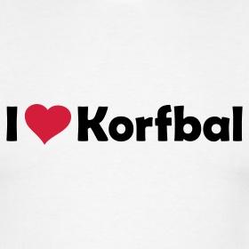 Korfbal is mijn favoriete sport. Ik heb het een hele tijd gedaan, maar helaas door een blessure is het nu niet meer mogelijk. Maar ik vind het nog steeds leuk om naar wedstrijden te gaan.