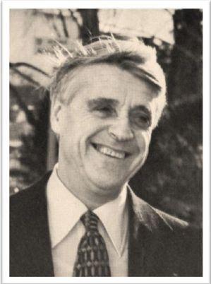 Robert Boulin © DR - 2015 -  Le lundi 30 octobre 1979 au petit matin, le Ministre du travail et de la participation, un membre important du gouvernement Barre, est retrouvé mort dans un étang, près de la forêt de Rambouillet. L'enquête conclut rapidement...