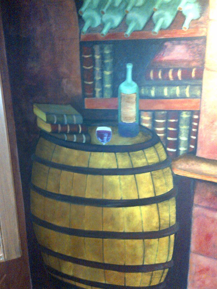 Barril o tinaja en bodega de vino