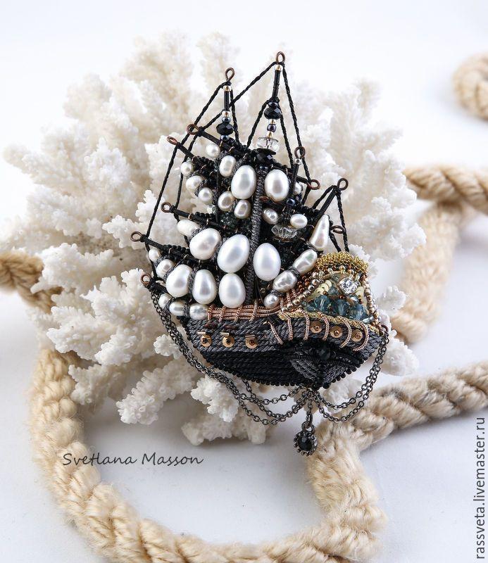 Купить Брошь фрегат ,,Величественный,, - чёрно-белый, брошь, Браслет ручной работы, подарок женщине