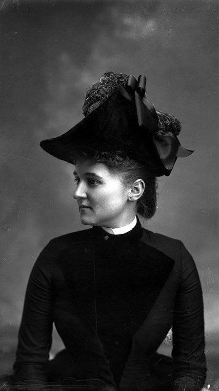 Laura Barnes wearing a fashionable hat with ostrich feather, Tallahassee, January 1889. #Victorian #women #fashion #hats