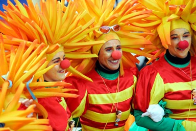 French fries or tousle-head? A real Mainz jester only leaves his home at Carnival in fancy-dress.