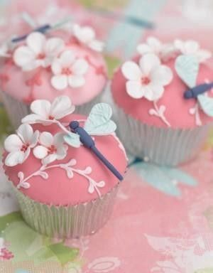 cupcades ...  pink base ... cherry blossoms and dragonflies ... silver cupcake papers ... Asian theme ...