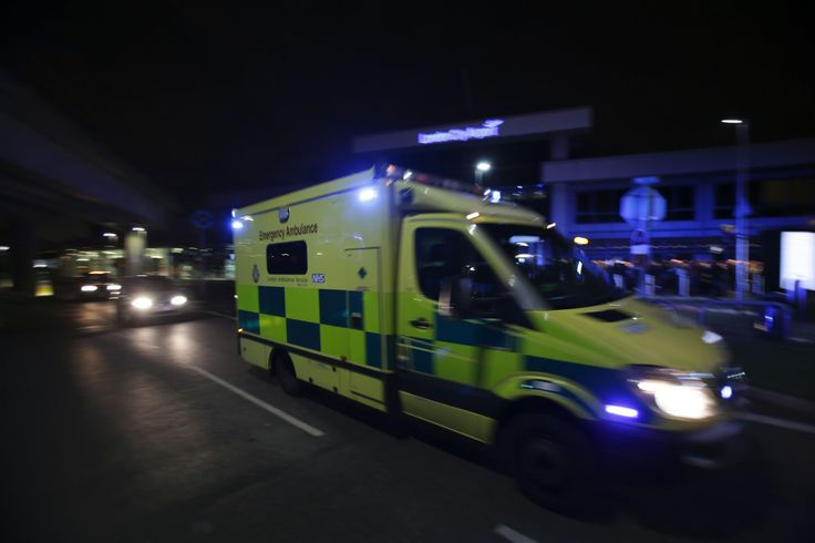 London Ambulance Service forced to manually log calls on New Year's Day due to 'technical difficulties' - The Independent