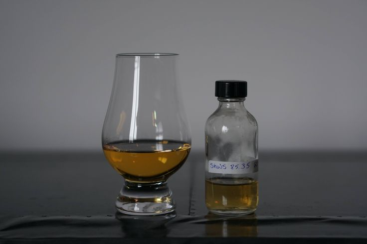 Review #164 - Glen Elgin 9y (SMWS 85.35 - Complex and Full of Character) #scotch #whisky #whiskey #malt #singlemalt #Scotland #cigars
