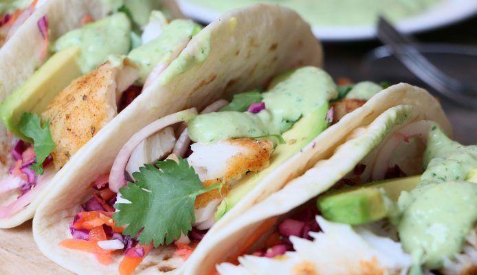 Healthy vis taco's met rainbow slaw - Culy.nl