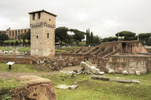 Dopo sei anni di scavi e restauri è stata inaugurata la nuova area archeologica del Circo Massimo, uno dei luoghi più simbolici di Roma legato ai miti di fondazione della città. di Mariasole Garacci I Romani, si sa, non sono di Roma.