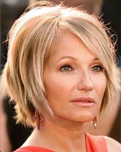 Straight Bob Hairstyles for The Older Woman