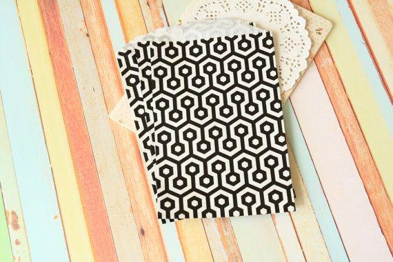20st papieren tassen met honingraat ontwerp perfect voor partijen, gunsten, bruiloft cadeau verpakken klaar om te gebruiken en te personaliseren verkrijgbaar in andere kleuren (afzonderlijk vermeld)  + materiaal: papier + grootte: 5x7.5  + gewicht: 60g + hoeveelheid: 1 set/20st + kleur: als fotos  ❤ landelijke stijl? shabby chic? Raadpleeg onze andere objecten te koop