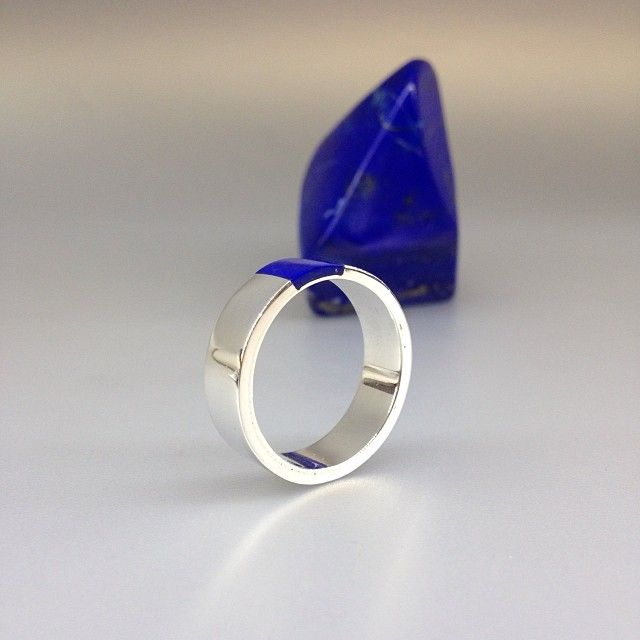 Beautiful Lapis Lazuli and Sterling silver ring