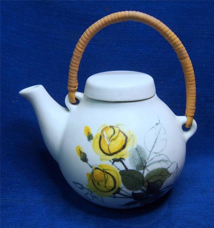 Arabia Finland Ulla Procope Tea Pot Hikka-Liisa Ahola Scandinavian Art Pottery