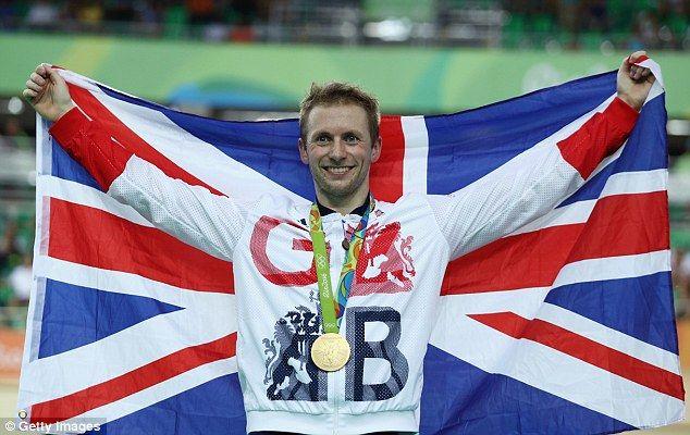 Jason Kenny, Storbritannien vann guldet i herrarnas bancykling sprint, silver Callum Skinner, Kanada, bons Denis Dmitriev, Ryssland