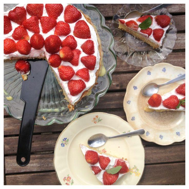 Swedish strawberry cream cake (gluten free, dairy free, sugar free)