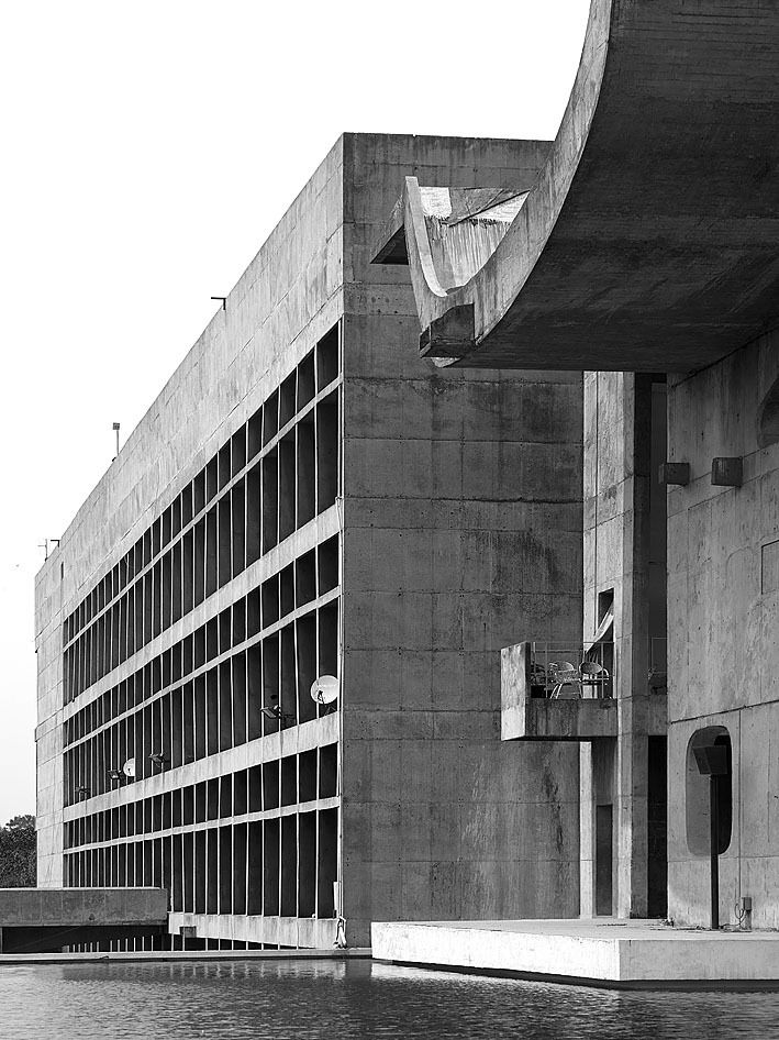 70 best le corbusier general assembly chandigarh 1953 for Famous contemporary architecture buildings