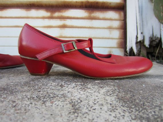 70s/80s Red Mary Jane Shoes by TicTacToes, US 7 EUR 37,5 UK 4,5 // Vintage Low Heel T-Strap Heels