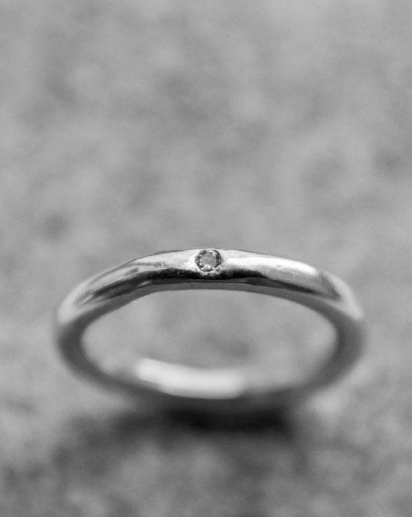 Ring 3 1 500 kr