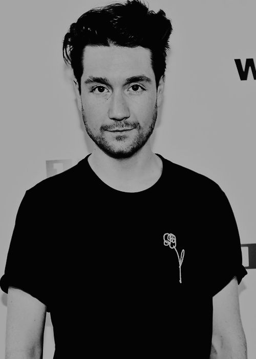 """Dan Smith // 1LIVE. "" // I want that shirt so much"