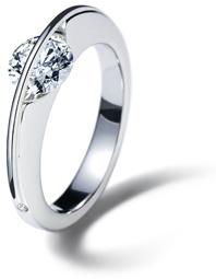 www.gebrueder-schaffrath.de would love this with a different stone.. no diamonds!
