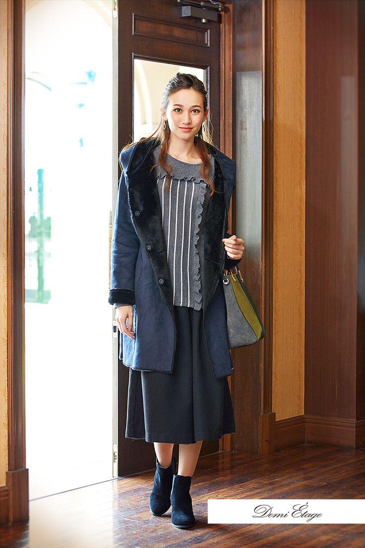 ムートンコートはモコモコ、あったか。パンツにもスカートにも合わせやすい♪ #maria_coordinate #大人カジュアル #demi_etage #ドゥミエタージュ #ootd #fashion #winter #冬コーデ #ニット #ムートン #コート #ネイビー