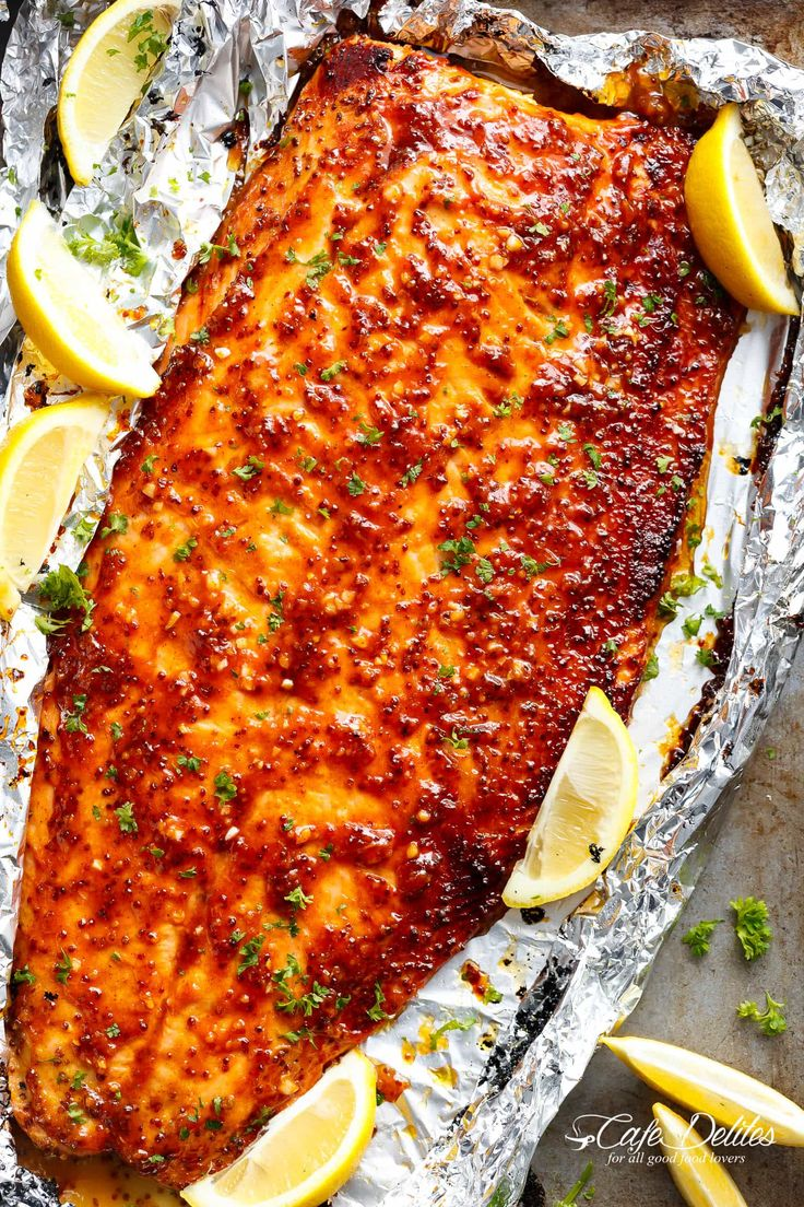 Garlic Butter Honey Mustard Salmon In Foil is a quick and easy salmon recipe, leaving you with no pans to wash and a juicy salmon for your dinner table!