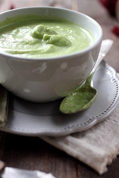 Velouté de brocolis avec une touche de fromage frais pour l'onctuosité !