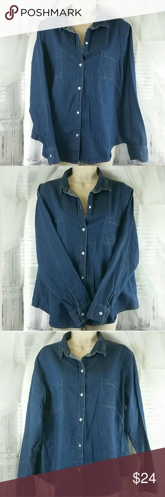LEE Denim Button Down Blouse Lee Riders Denim Button Down Blouse, in excellent used condition, with 2 front pockets, 100% cotton size XL Lee Tops Button Down Shirts