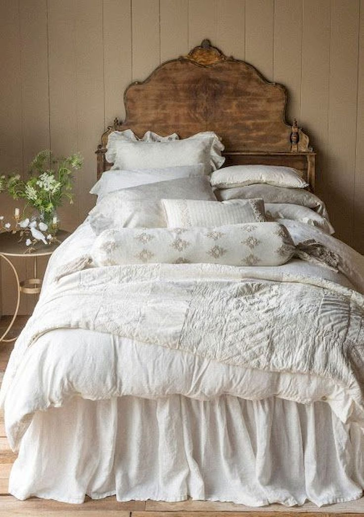 Nice 35 Rustic Shabby Chic Bedroom Decorating Ideas https://roomodeling.com/35-rustic-shabby-chic-bedroom-decorating-ideas