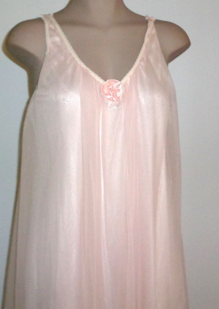 Vintage VAL MODE 1960s Full Length Negligee Gown PALE PINK M/L #ValMode