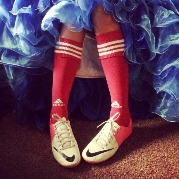 Cute quince pic for a girl that loves soccer