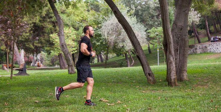 Güne profesyonel spor hocaları eşliğinde Maçka Parkı'nda koşuyla başlayın.