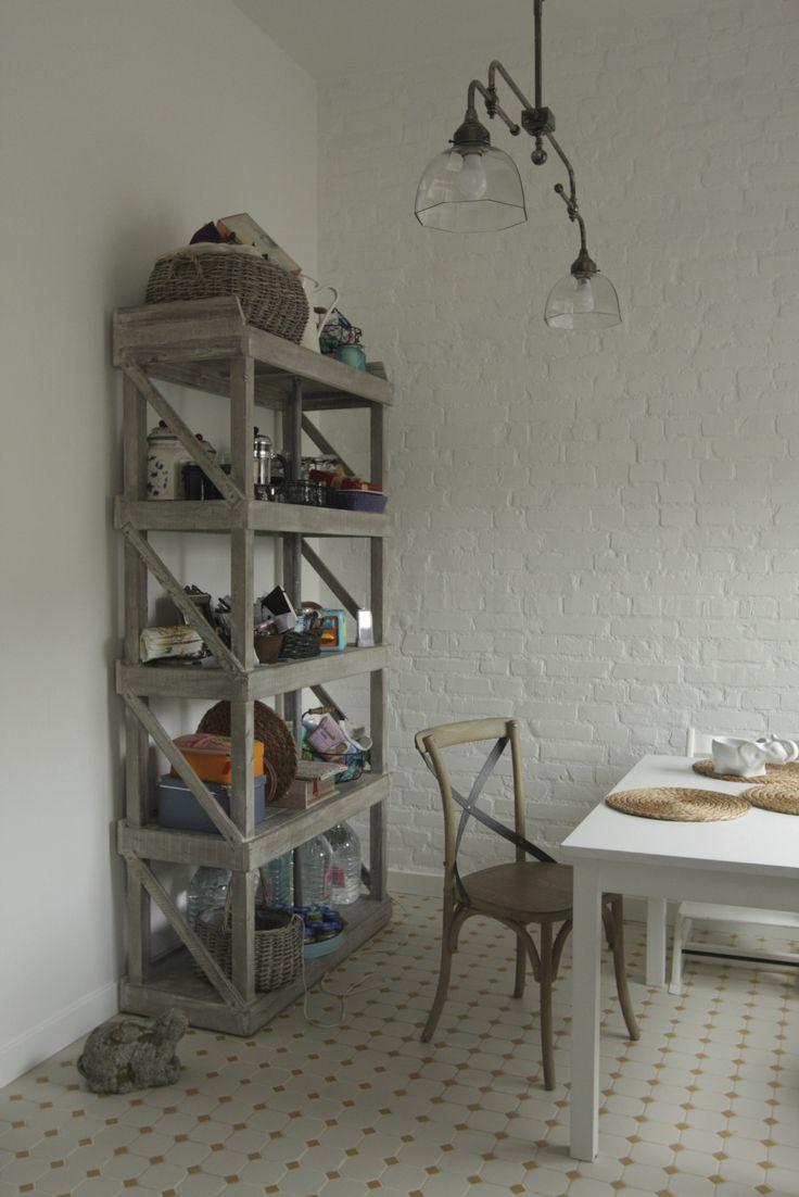 dining room #кухня #кирпичная стена #метлах #кирпич в интерьере #белый кирпич #этажерка