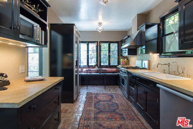 Let's Eat - Inside Ginnifer Goodwin's Charming Hollywood Villa - Photos