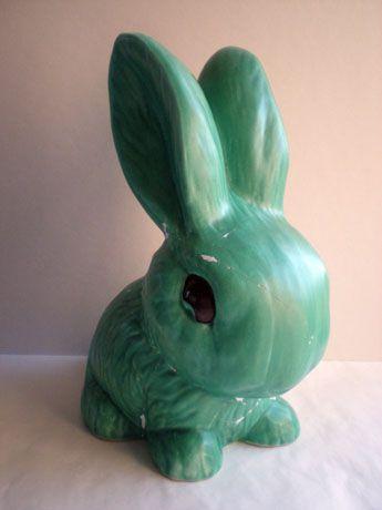 Sylvac bunny . I have Him in beige no 1067