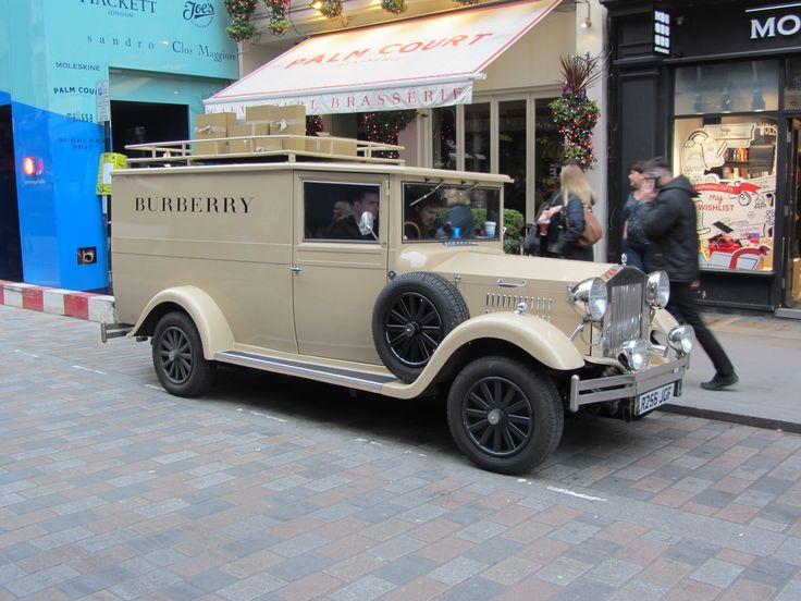 Inchmere Vintage Gift Van - Burberry Covent Garden - Side