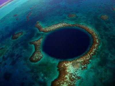 Would you deep-sea dive in Belize's Great Blue Hole? http://www.deepbluediving.org/best-dive-computers/