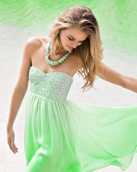love this colorGourmet Food, Seafoam Minty, Green Obsession, Beautiful Dresses, Dresses Skirts, Dresses 3, Minty Green, Dresses Lust, Colors Life