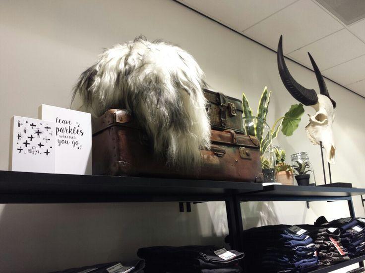 Winkelontwerp en styling voor Peter Fashion&Trends door Retailstyling+