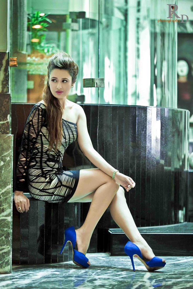 Yuvika Chaudhary Indian Actress Hot Unseen Bikini Pictures (4)