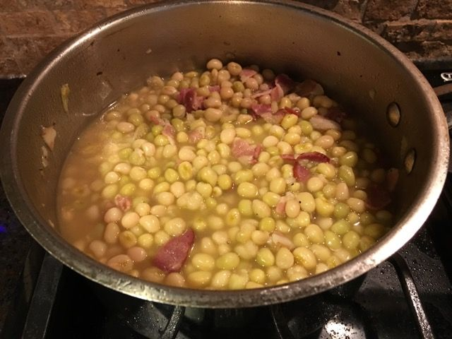 Southern zipper cream peas