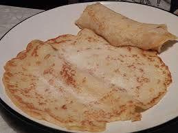 Norwegian pancakes with sugar